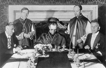 Pio XII assinando a Reichskonkordat