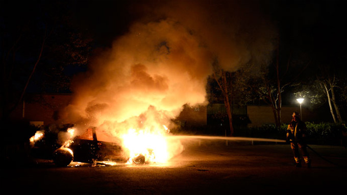 'They don't want to integrate': Fifth night of youth rioting rocks Stockholm 8